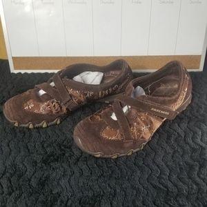 Brown Skechers Size 8